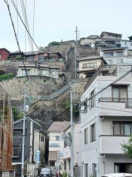 両城200階段.jpg